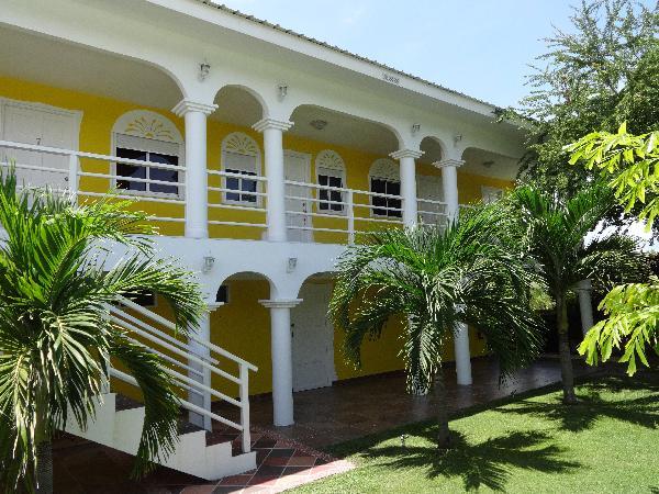Hostal en venta en punta chame p15785 inmopanama for Hostal casa amarilla