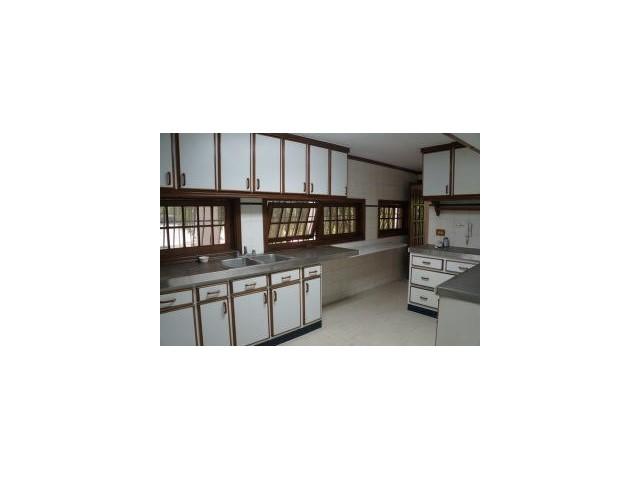 Bella casa con jardin privado rodeado de naturaleza altos for Casa con jardin alquiler